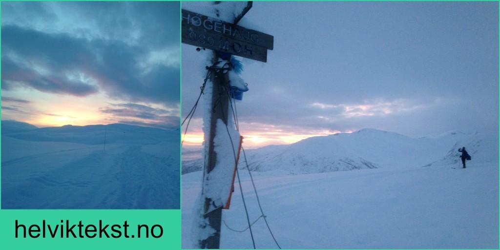 Snølandskap med ein solnedgang i bakgrunnen.